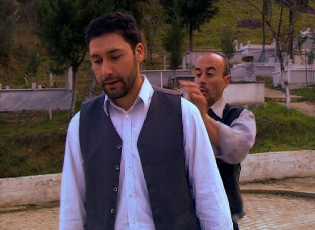 Mezar Arasında - Kanal 7 TV Filmi