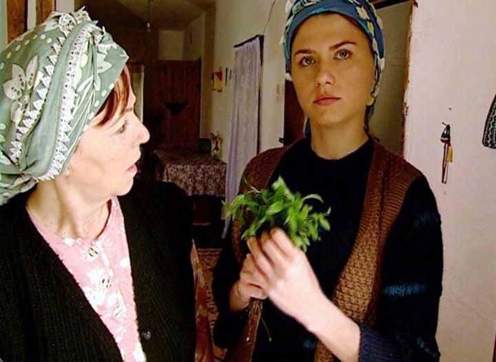TV Filmi 'Pınar Başından Bulanır'